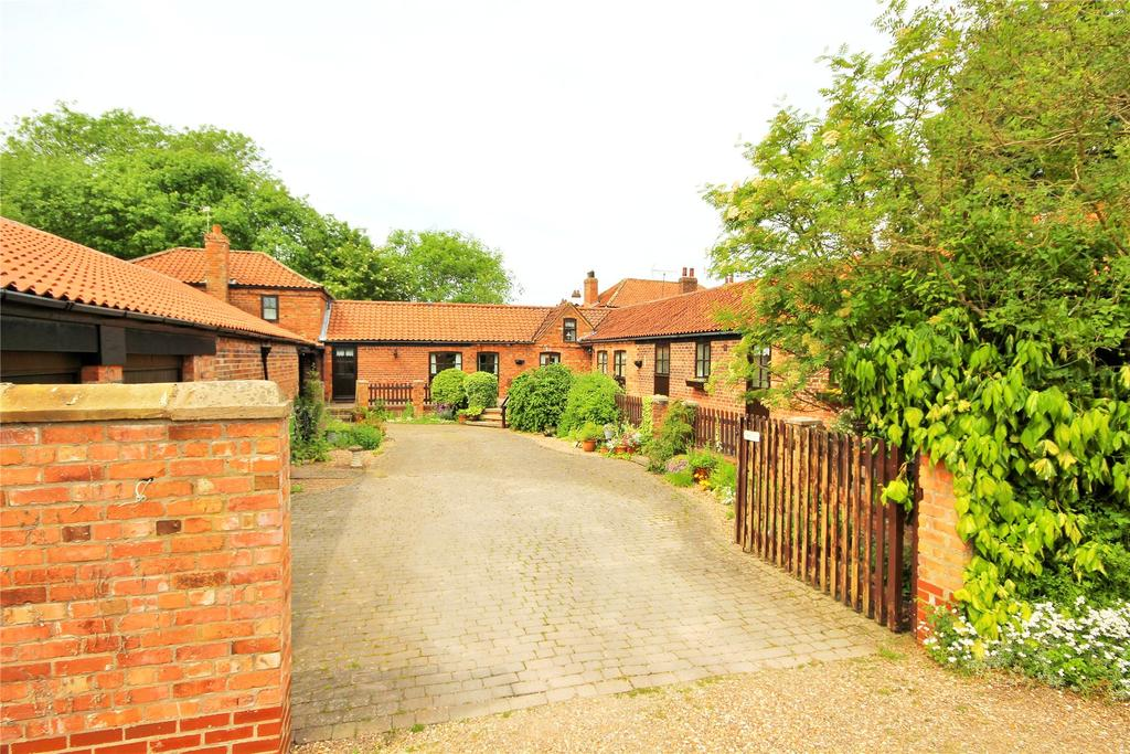 4 Bedrooms Detached House for sale in Hill Road, Springthorpe, DN21