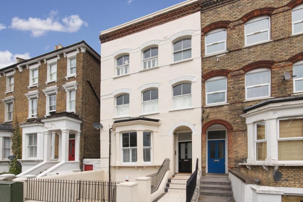 1 Bedroom Flat for sale in Gipsy Road, West Norwood, London, SE27