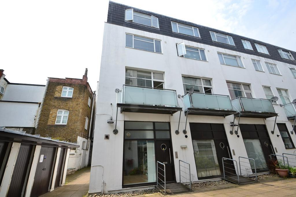 3 Bedrooms House for sale in Empire Square, Holloway Road, Holloway, London, N7
