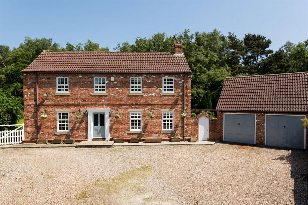 4 Bedrooms Detached House for sale in Millfield House, 27 Selby Road, Riccall