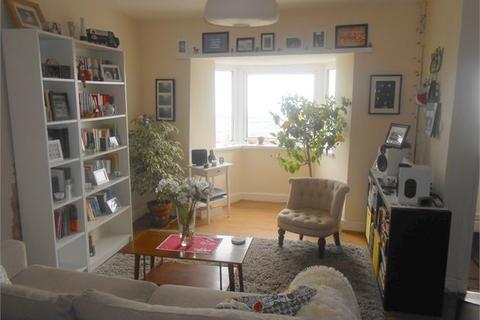 2 bedroom house share - Penygraig Road, Mount Pleasant, Swansea, West Glamorgan. SA1 6HT