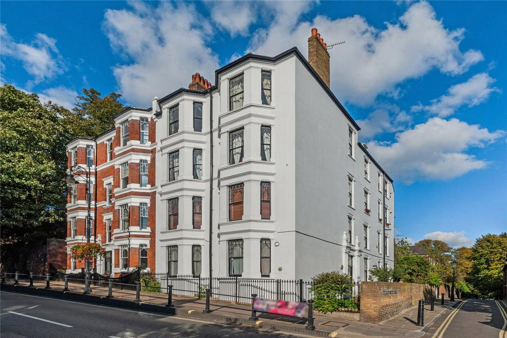 4 Bedrooms Flat for sale in Northcote House, Heath Street, Hampstead Village, London