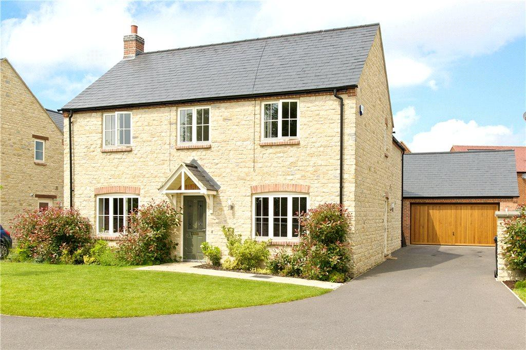 4 Bedrooms Detached House for sale in Mansion Gardens, Potterspury, Towcester, Northamptonshire