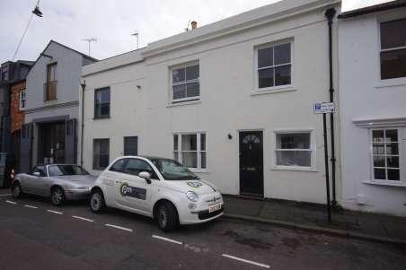 4 Bedrooms Terraced House for rent in Gloucester Street, Brighton