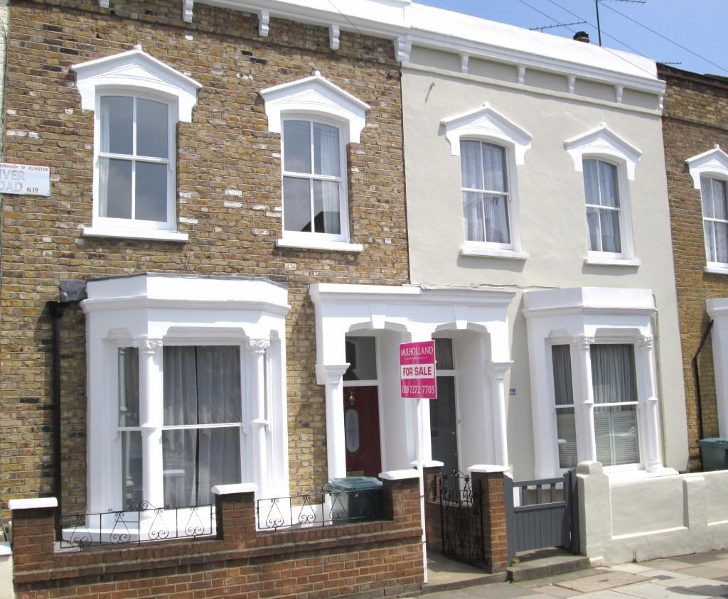 3 Bedrooms Terraced House for sale in Kiver Road, London, N19