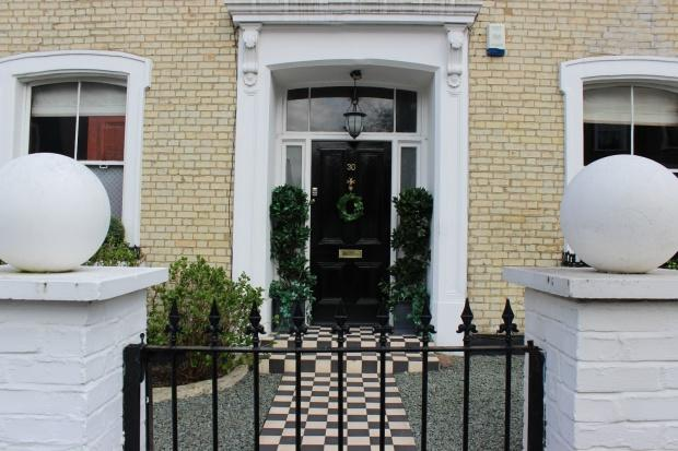 4 Bedrooms Detached House for sale in Beacon Hill, London, N7