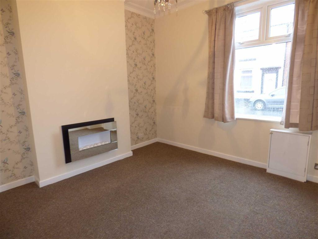 3 Bedrooms End Of Terrace House for sale in Withington Street, HEYWOOD, Lancashire, OL10