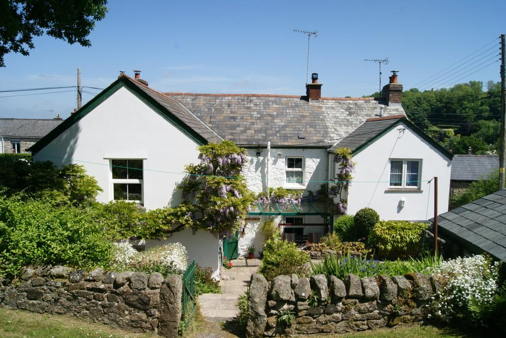 5 Bedrooms House for sale in South Zeal, Okehampton