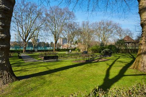 3 bedroom apartment to rent - Leith Mansions, Grantully Road, W9