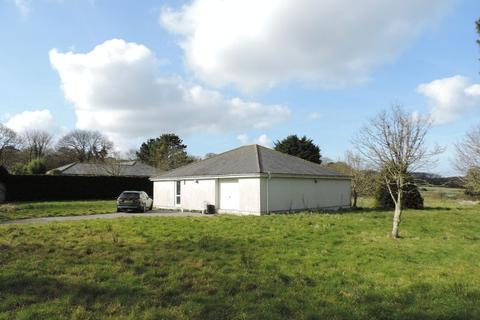 3 bedroom bungalow for sale - Halgoss, Tehidy