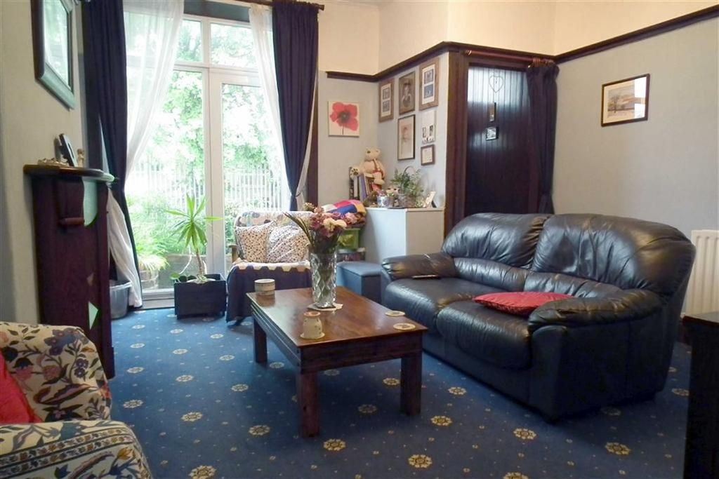 2 Bedrooms Terraced House for sale in Athletic Street, Burnley, Lancashire