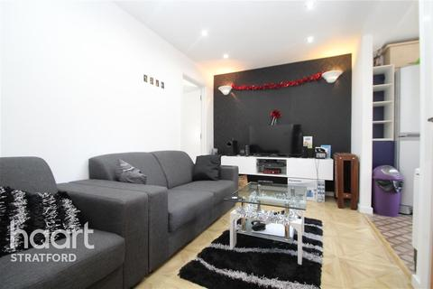 3 bedroom flat to rent - Adrian House, Stratford, E15