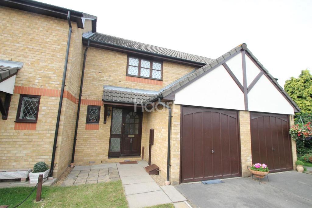 2 Bedrooms Terraced House for sale in Timberdene Avenue, Barkingside