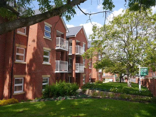 2 Bedrooms Apartment Flat for sale in Dukes Court, Wellington TA21