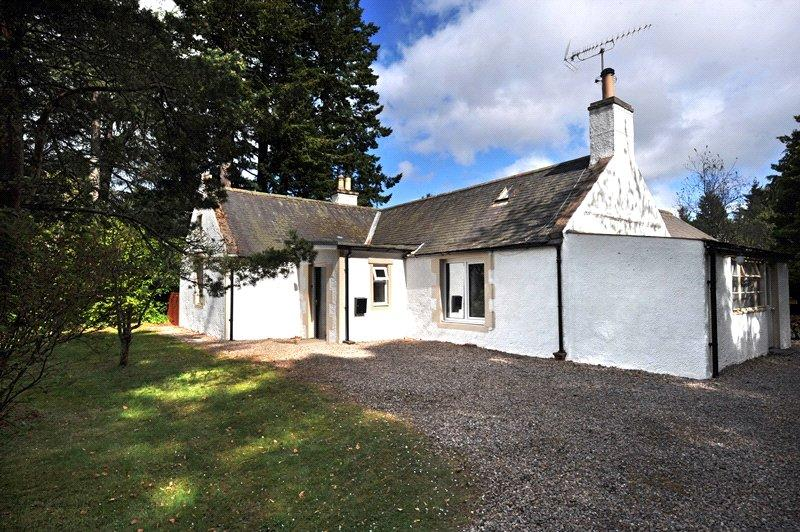 3 Bedrooms Detached House for sale in Carron Lodge, Carron, Aberlour, Moray, AB38