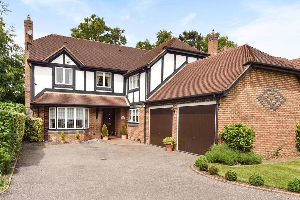 5 Bedrooms Detached House for sale in Heath Park Drive, Bickley, BR1