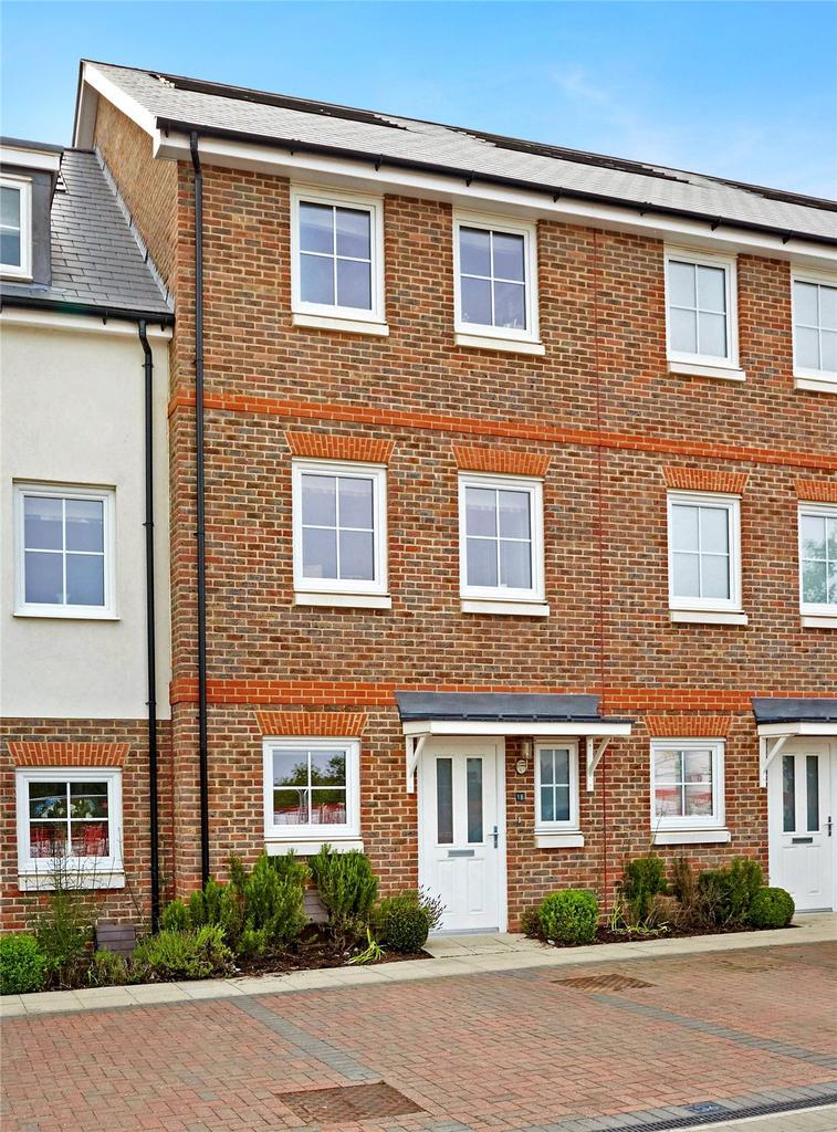4 Bedrooms Terraced House for sale in Eden Road, Dunton Green, Sevenoaks, Kent, TN14