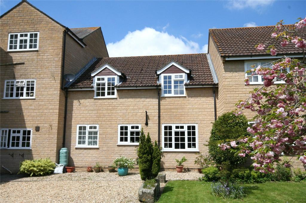2 Bedrooms Flat for sale in Saffron Court, The Avenue, Sherborne, Dorset