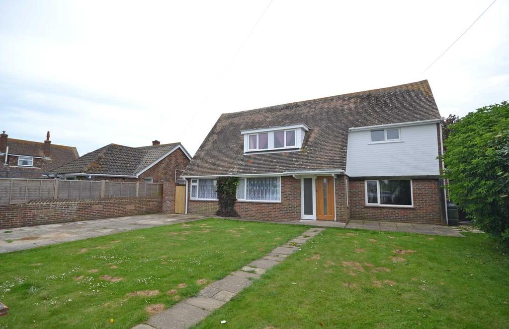 4 Bedrooms Detached House for sale in Latham Road, Selsey, PO20