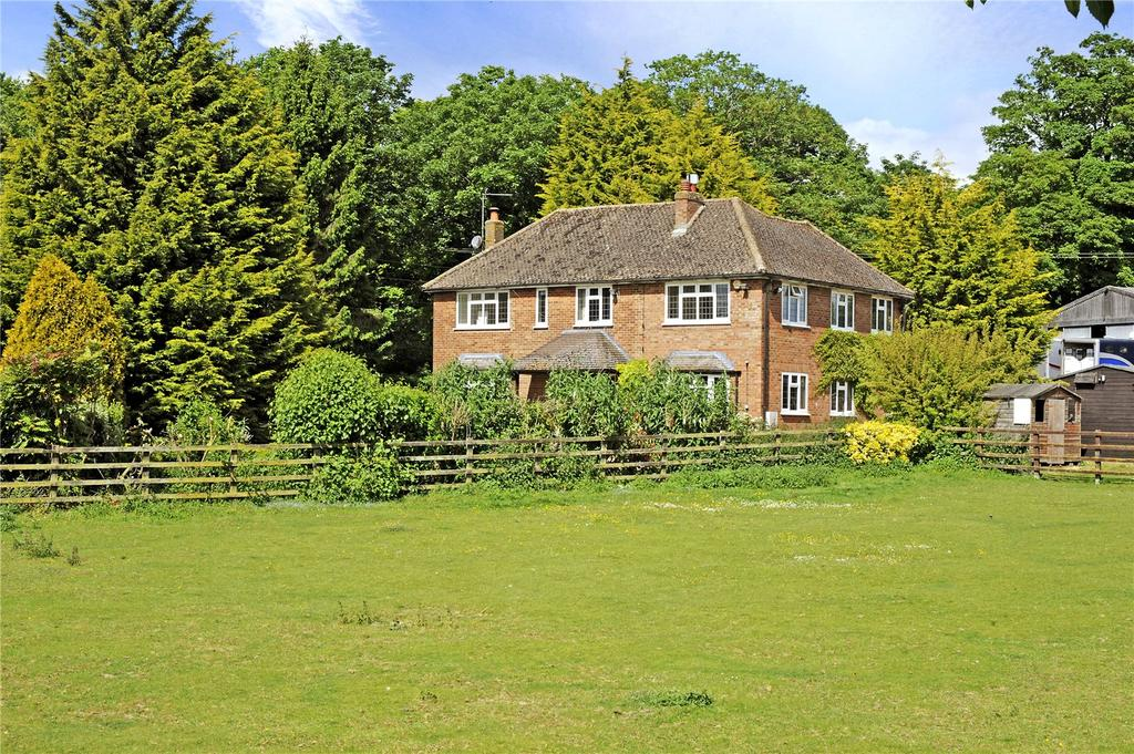 4 Bedrooms Detached House for sale in Wellbury Park, Hitchin, Hertfordshire