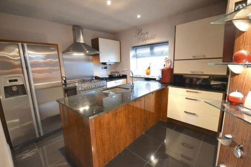 3 Bedrooms Detached House for sale in Bridge Street, Yarm