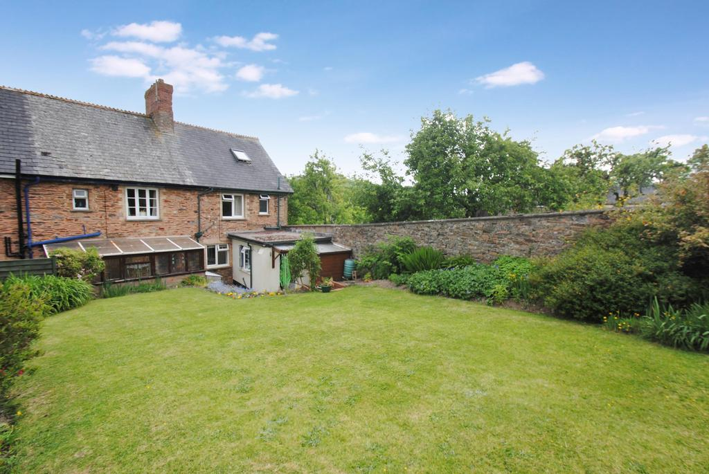 3 Bedrooms Semi Detached House for sale in New Buildings, Shillingford