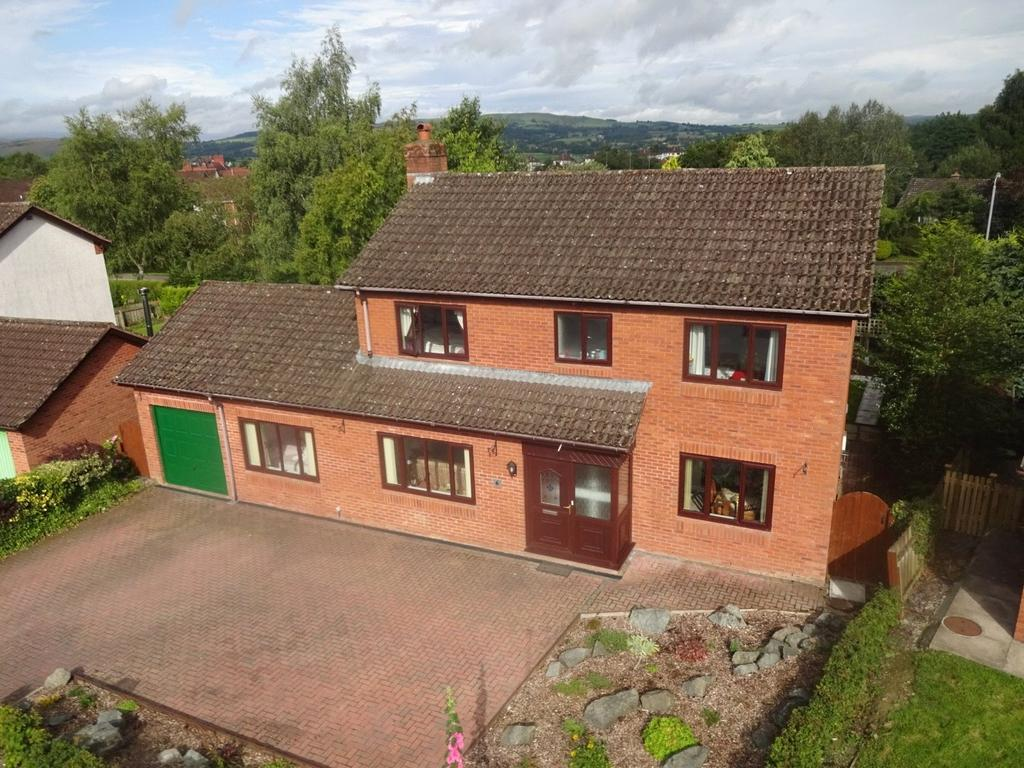 4 Bedrooms Detached House for sale in Woodlands, Cefnllys Lane, Llandrindod Wells, Powys