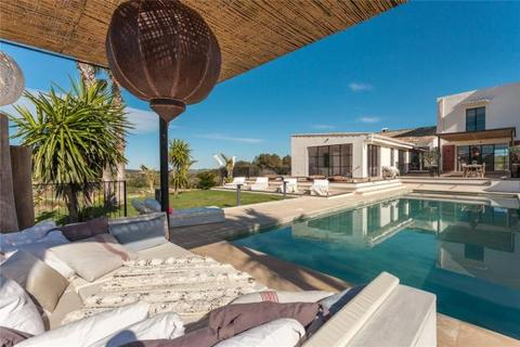 6 bedroom property with land  - Country Estate With 360º Views, Porreres, Mallorca