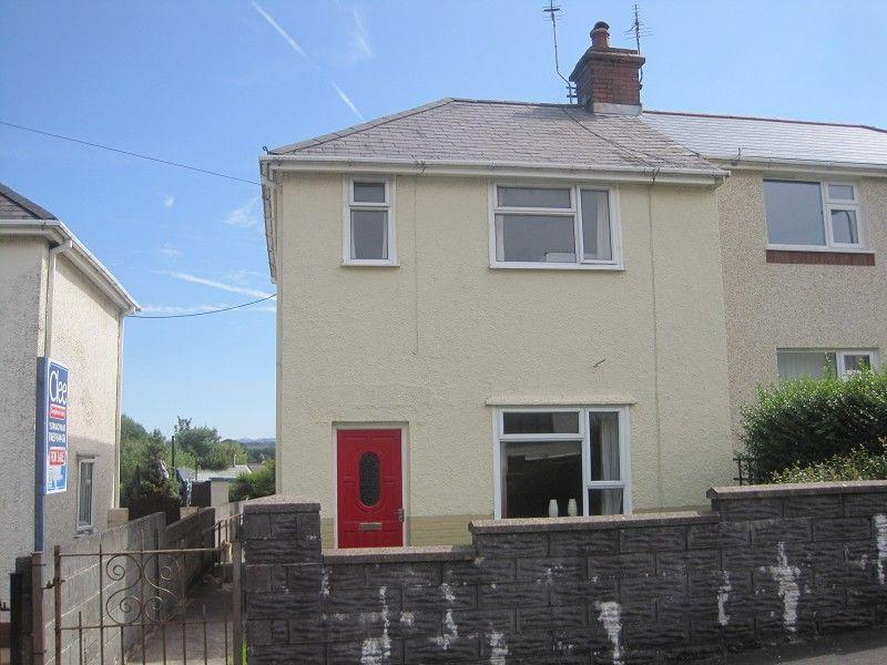 2 Bedrooms Semi Detached House for sale in Gwernant Cwmllynfell, Swansea.