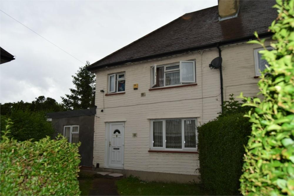 3 Bedrooms End Of Terrace House for sale in George Street, Hounslow, Middlesex