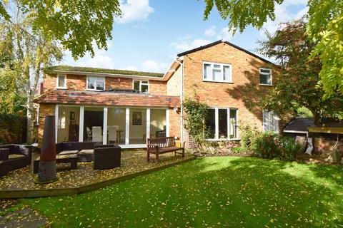 4 bedroom detached house for sale - High Street, Burnham, SL1