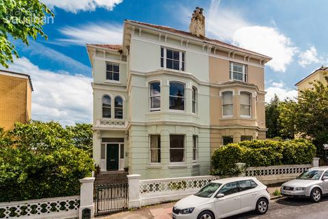 2 bedroom apartment to rent - Buckingham Road, Brighton, BN1