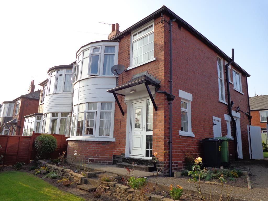 3 Bedrooms House for rent in Chelwood Avenue, Roundhay, Leeds, West Yorkshire
