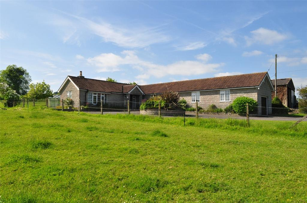 3 Bedrooms Bungalow for sale in Tatworth Road, Chard, Somerset, TA20