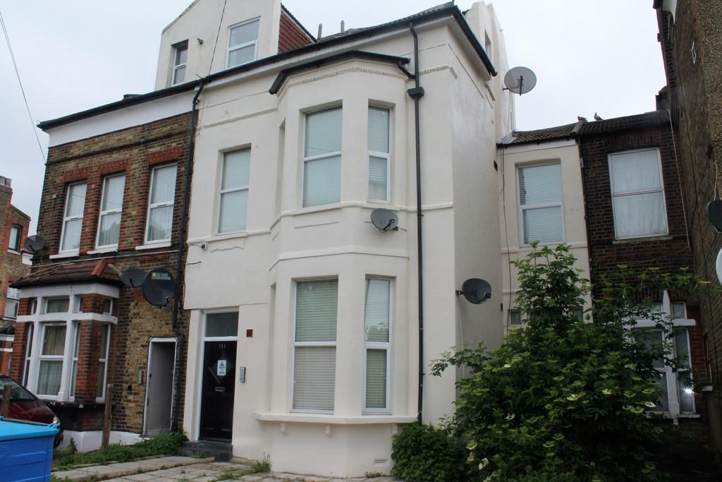 3 Bedrooms Terraced House for sale in Church Street, Edmonton