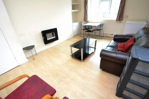 3 bedroom apartment to rent - Grenham Avenue, Hulme, Manchester, M15 4HD