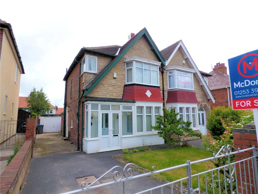 3 Bedrooms Semi Detached House for sale in Links Road, North Shore, Blackpool