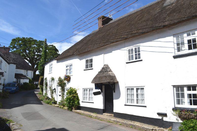 3 Bedrooms Terraced House for sale in Bridge Street, Sidbury