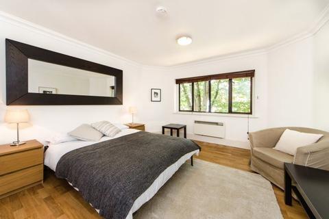 Studio to rent - St Helens Gardens, London, W10