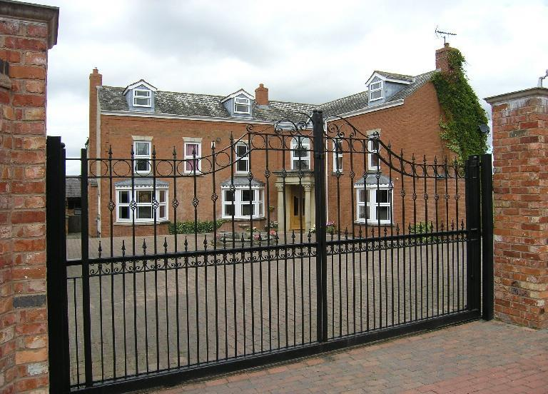 6 Bedrooms Detached House for sale in Shuttleworth Lane, Cosby
