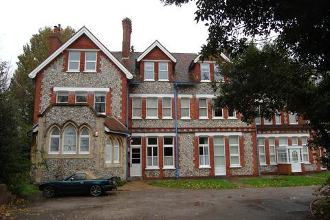 2 bedroom ground floor flat to rent - Clovelly, Blackwater Road, Eastbourne BN21