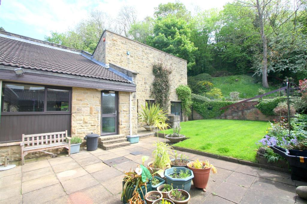 4 Bedrooms Detached Bungalow for sale in The Close, Neasham