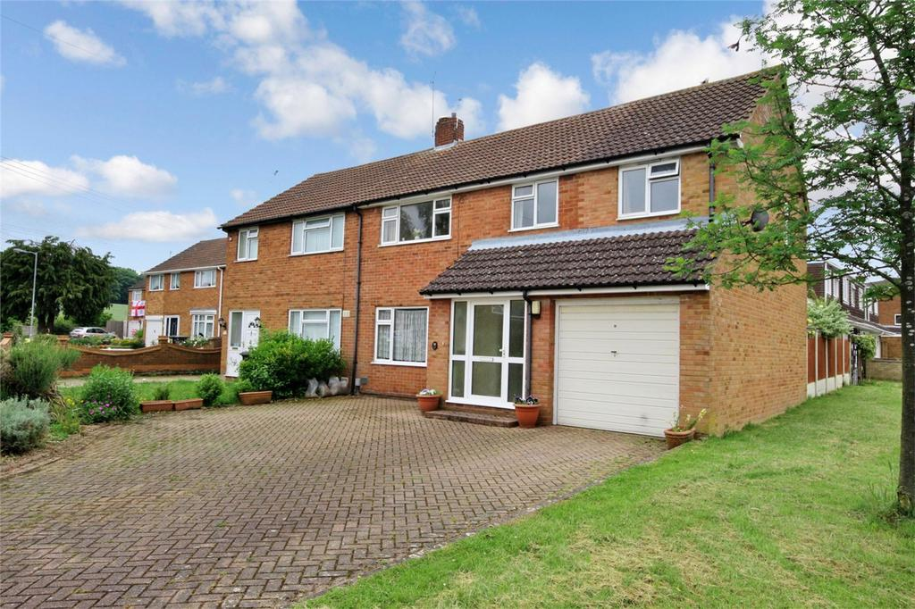 4 Bedrooms Semi Detached House for sale in Pinewood Close, SUNDON PARK