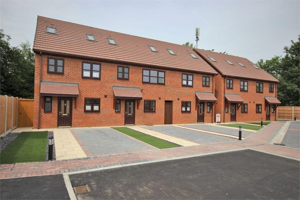 3 Bedrooms Town House for sale in Station Mews, Widnes
