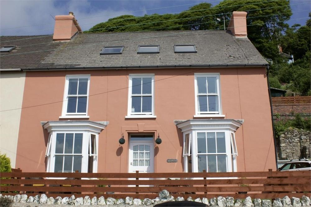 5 Bedrooms Semi Detached House for sale in La Serena, Quay Road, Goodwick, Pembrokeshire