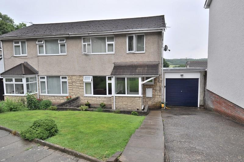 3 Bedrooms Semi Detached House for sale in 48 Walston Road, Wenvoe, Cardiff CF5 6AW