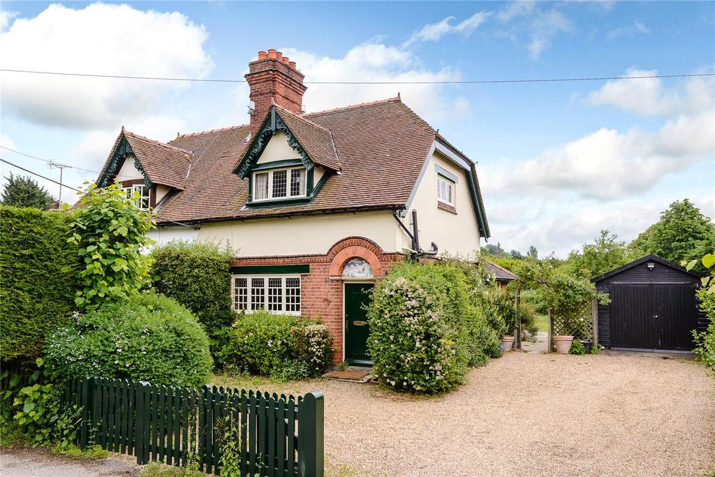 3 Bedrooms Semi Detached House for rent in Westfield Cottages, Henley Road, Medmenham, Marlow, SL7