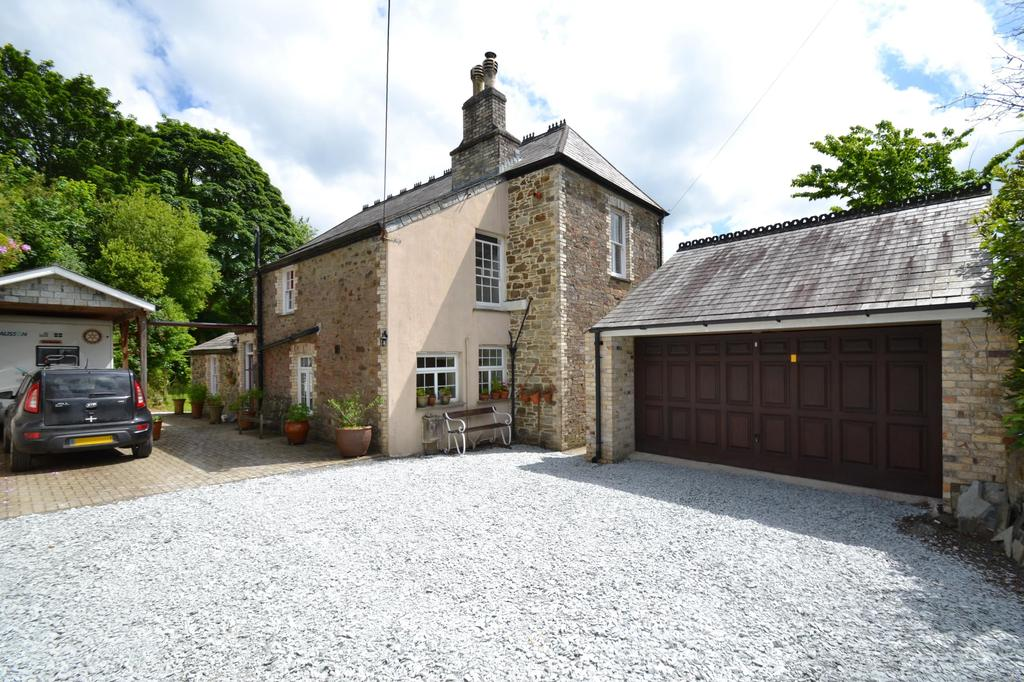 4 Bedrooms Detached House for sale in Terras Hill, Lostwithiel