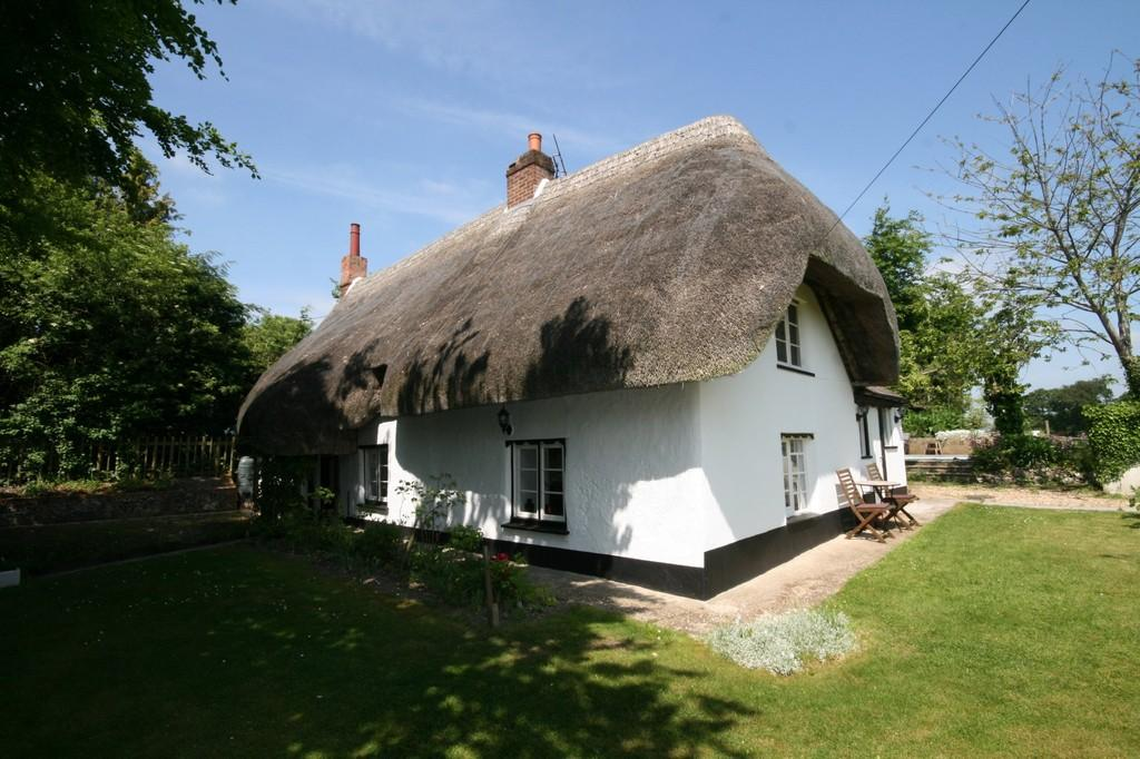 5 Bedrooms Cottage House for sale in THE HOLLOW, SHREWTON, WILTSHIRE