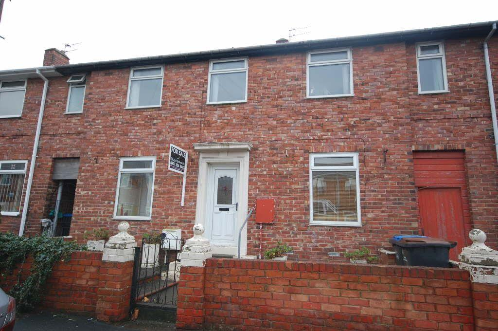 4 Bedrooms Terraced House for sale in Bradford Crescent, Gilesgate, Durham, County Durham